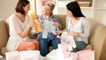 28 Best Gifts To Give New Moms